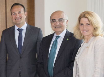 [L-R] Taoiseach Leo Varadkar TD., Bharat Masrani, group president and chief executive officer of Toronto Dominion (TD) Bank Group and Mary Buckley Executive Director IDA Ireland)