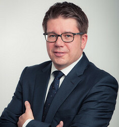 Dirk Holz: