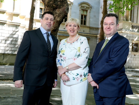 [L-R] Derek Delaney, Chief Operating Officer, DMS; Minister for Business Enterprise and Innovation Heather Humphreys TD and Kieran Donoghue, Global Head of International Financial Services, Strategy & Public Policy, IDA Ireland.